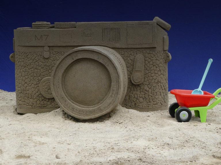 Sandskulpturen Leica Kamera